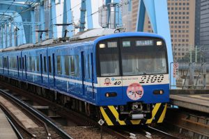 京急線を走る台鉄塗装列車