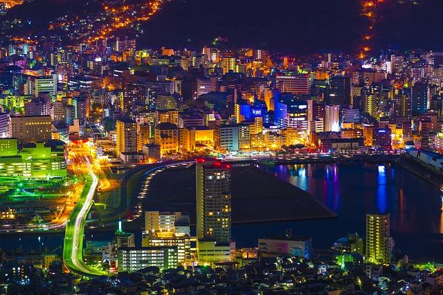 長崎市の夜景。九州のインバウンド観光客は2017に過去最高の494万人を記録した。